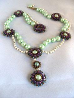 Beaded necklace by Christine Heidema