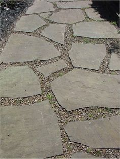 backyard designs – Gardening Ideas, Tips & Techniques Flagstone Pathway, Gravel Walkway, Backyard Walkway, Outdoor Walkway, Stone Walkway, Front Yard Landscaping, Stone Pathways, Paving Stones, Garden Paths