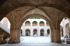 Rodi città  www.arttrip.it/rodi-storie-di-templi-senza-tempo-cavalieri-senza-paura-castelli-e-colossi/