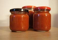 Chili szósz jaccso konyhájából recept Chili, Pepperoni, Pesto, Salsa, Spices, Jar, Food, Dressing, Recipes