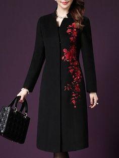 womens coats size medium in 2020 Abaya Fashion, Muslim Fashion, Fashion Dresses, Batik Fashion, Kurti Embroidery Design, Embroidery Fashion, Moda India, Iranian Women Fashion, Coats For Women