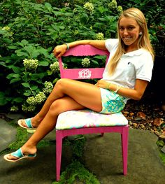 wesleynoelle:  Leave it to me to get a Monogrammed Lilly Pulitzer chair…