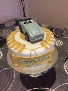 Winner wreath car cake