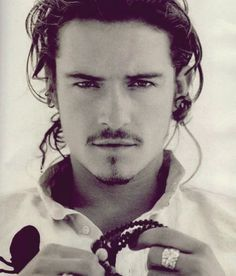 this poster of Orlando Bloom used to be in my bedroom...sweet dreams back then.