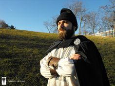young dacian dac tanar Iron Age, Romanian People, City People, Vampire Hunter, Canada Goose Jackets, Fairy Tales, Winter Jackets, Culture, Symbols