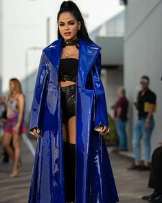 Stage Outfits, Fashion Outfits, Fiesta Outfit, Blue Evening Dresses, Becky G, Celebrity Pictures, Girl Power, Kimono Top, Girls