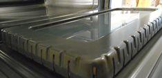 Een schone oven zonder schoonmaakmiddel / Algemene tips / Tips & trucs | Hetkeukentjevansyts.nl Toaster, Good To Know, Cleaning Hacks, Life Hacks, Kitchen Appliances, Bathroom, Diy, Ovens, Cleaning