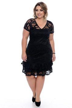 Vestido Plus Size Benedita Plus Size Fashion For Women, Plus Fashion, Womens Fashion, Vestidos Carolina Herrera, Plus Size Prom, Plus Size Winter, African Print Fashion, Casual Party, Ford