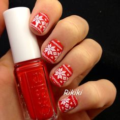 I love this!!! Its like Norwegian sweaters on your nails!