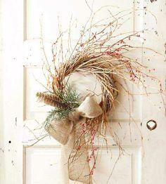 Casual Light Brown Christmas Wreath