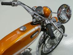 Yamaha - 'Fizzy' Sports Moped For Sale Mini Motorbike, Motorcycle Art, Yamaha Motorcycles, Cars And Motorcycles, Mopeds For Sale, Vintage Moped, Old Bikes, Classic Bikes, The Good Old Days
