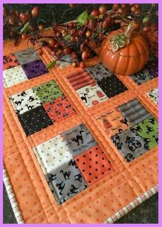 Easy free Halloween quilt pattern would be perfect as wall hanging or as a table runner. One of 9 great quilt patterns for spring, summer, winter or fall.   www.onecraftygal.com #quilt #quilting #craft #sewing #patterns #free #freepatterns