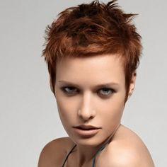 Coiffure pour cheveux courts femme