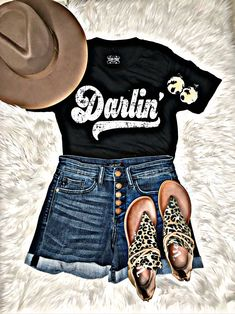 Country Girl Outfits, Cute Cowgirl Outfits, Western Outfits Women, Southern Outfits, Rodeo Outfits, Southern Girl Style, Country Concert Outfit Summer, Country Western Outfits, Southern Girls