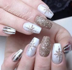 White and Gold Glitter Nail Art