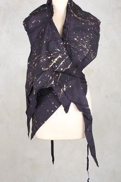 Wrap Scarf with Ties in Rubens Gold - Rundholz Dip