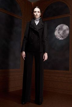 Viktor & Rolf | Pre-Fall 2012 Collection | Vogue Runway