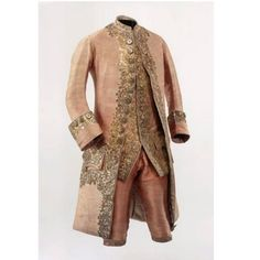 Pink silver brocade with rich embroidery in gold. Consisting of coat, waistcoat, and trousers. 1780 The Effective Pictures We Offer You About Historical Fashion 1700 A q 18th Century Dress, 18th Century Costume, 18th Century Clothing, 18th Century Fashion, Historical Costume, Historical Clothing, Mode Rococo, Vintage Outfits, Vintage Fashion
