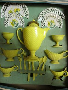 VINTAGE CHILDRENS TEA SET PARTY BANNER TOY DISHES YELLOW WITH BOX #BANNER