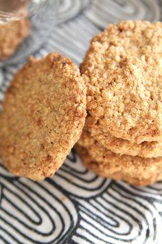 Vatsan vapaapäivä: Inkivääriset kvinoa-kaurakeksit (gluteenittomat) Cookies, Desserts, Food, Crack Crackers, Tailgate Desserts, Deserts, Biscuits, Essen, Postres
