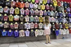 Varejo pode abrir mais de 20 mil vagas temporárias para o fim de ano - http://po.st/gElkIG  #Economia - #Comércio, #Empregos, #Vagas, #Varejo