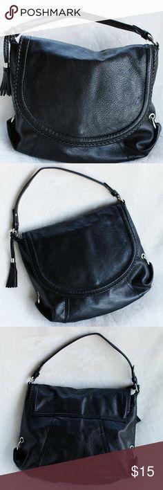 MERONA Black Shoulder Bag This shoulder bag is in great condition! It has been very gently loved. It's nice and roomy. Merona Bags Shoulder Bags
