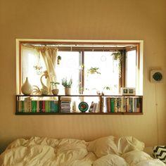 naoさんの、ベッド周り,観葉植物,無印良品,本棚,植物,グリーン,ハンドメイド,DIY,一人暮らし,出窓,窓辺,ハンギング,空き瓶,TWEMCO,シンデレラフィット,のお部屋写真