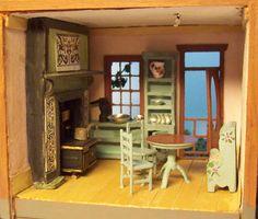 Miniature quarter scale dollhouse, FREE shipping