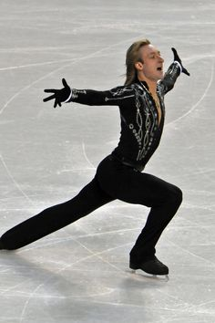 Evgeni Plushenko is an ex World and Olympic champion. He skates on John Wilson Gold Seal Blades.