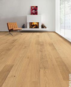 Die Parkett Landhausdiele Eiche Markant strukturiert bringt Wärme und Gemütlichkeit in jedes Wohnzimmer.
