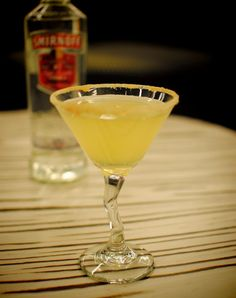Good-As-Gold-tini    - 1.25 oz SMIRNOFF® NO. 21 Vodka  - 0.25 oz Triple Sec  - 0.75 oz Lemon Juice    In a shaker with ice, add SMIRNOFF® NO. 21 Vodka, triple sec, and lemon juice. Shake well. Strain into chilled martini glass rimmed with sugar (optional)