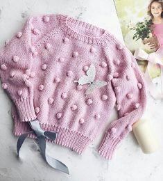 5 pasos de como hacer un sueter tejido para niña - Diy Crochet Cardigan, Gilet Crochet, Baby Sweater Knitting Pattern, Knit Baby Sweaters, Crochet Coat, Knitted Baby Clothes, Girls Sweaters, Baby Knitting Patterns, Diy Crafts Knitting