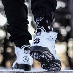 05983d4ac373 Follow  XxSneakerHeadsxX for more poppin pins 👌🏼💯 Jordan Shoes For Sale