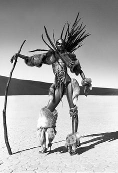 Will You Consider this more Tribal or Apocalyptic? let me know in the comment. Foto Fashion, Tribal Fashion, African Fashion, Mad Max Fashion, Desert Fashion, Warrior Princess, African Beauty, African Art, Character Inspiration