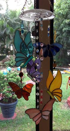 No nudity or porn please just beautiful wind chimes.👍and sun catchers. Stained Glass Suncatchers, Stained Glass Crafts, Stained Glass Lamps, Stained Glass Panels, Stained Glass Patterns, Glass Art Design, Glass Wind Chimes, Glass Butterfly, Glass Flowers
