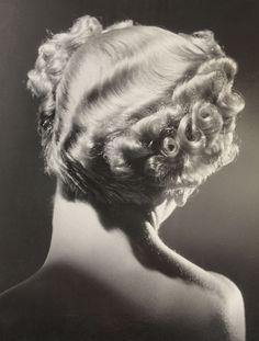 Mannequin mit Dauerwelle, 1935, Dora Maar. (1907 - 1997)  (Source:  Altertuem Liches.at  )