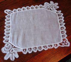 Em's Heart Antique Linens -Antique Linen Lace Handkerchief