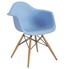 Unsere Retro Nachbildung des DAW ABS ARM CHAIR ist ein wunderschöner Stuhl, der von Charles Ormond Eames und seiner Frau Bernice erschaffen wurde. Die Stühle dieses Paares wurde alle im 20. Jahrhundert während der Zeit der Bewegung des Modernismus hergestellt, was auch im Design erkennbar ist.Die gesamte Kollektion von Eames ist sehr ikonisch und ist an den klaren Linien erkennbar. Der Stuhl ist in drei verschiedenen Farben erhältlich. Dieser DAW ABS ARM CHAIR ist ein wunderschönes…