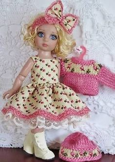 DRESS-SWEATER-HAT-BOOTS-SET-MADE-FOR-TONNER-PATSY-SIMILAR-SIZE-10-DOLL. Ends 9/5/14.