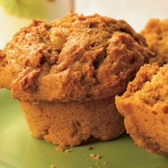 Our favorite pumpkin muffin recipe from Fine Cooking. Make 24 muffins. Spice Cake Mix, Spice Cookies, Pumpkin Spice Muffins, Pumpkin Dessert, Pumpkin Cakes, Nutrition, Muffin Recipes, Pumpkin Recipes, Cooking Recipes