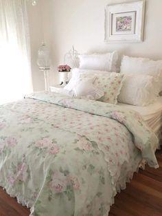 Rustic Shabby Chic, Shabby Chic Cottage, Shabby Chic Homes, Shabby Chic Bedrooms, Shabby Chic Furniture, Decoration Shabby, Ideias Diy, Pretty Room, Bedroom Decor