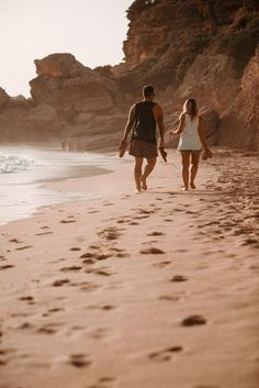 690 best walking on the beach images in 2019 Couple Picture Poses, S Pic, Couple Pictures, Cancun, Pre Wedding Praia, Pictures Plus, Beach Poses, Beach Images, Picture Outfits