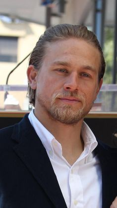 I am so in love with this man. Hello Gorgeous, Gorgeous Men, Charlie Sons Of Anarchy, Brad Pitt, Charlie Hunnam Soa, Good Looking Men, Movie Stars, Jax Teller, Actors & Actresses