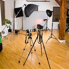 Create my own home photography studio (How to buy Lighting, Reflectors and Equip a Home Photography Studio)
