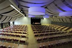 Veranstaltungs- und Konferenzraum
