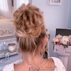 Beautiful By lalasupdos Hair Up Styles, Medium Hair Styles, Bun Hairstyles For Long Hair, Prom Hairstyles, Curly Hairstyle, Style Hairstyle, Beautiful Hairstyles, Trendy Hairstyles, Hair Videos