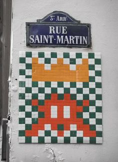 Rue Saint-Martin, un gros Space Invader (Paris Mr Brainwash, Paris City, Paris Street, Banksy, Pixel Art, Invader Paris, Paris Vintage, Renaissance Era, Saint Martin