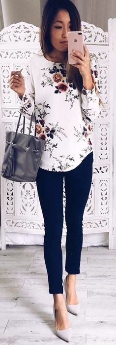 summer outfits Floral Print Top Black Pants