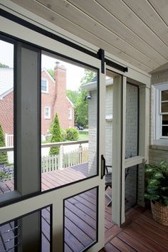 what are the pros and cons of retractable screens and motorized