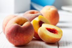 This is a lightly spiced recipe and canning instructions for peach chutney that pairs beautifully with curries, mild cheeses, and whole grains like rice. How To Ripen Peaches, How To Cut Peaches, Food Network, Chefs, Peach Chutney, Vinaigrette Salad Dressing, Dressing Recipe, Diy Beauté, Side Dishes